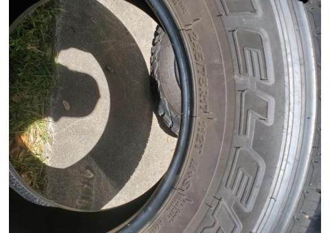 4  Bridgestone Dueler HT tires