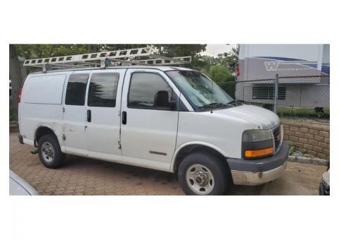 2003 GMC Savana 2500 Cargo Van